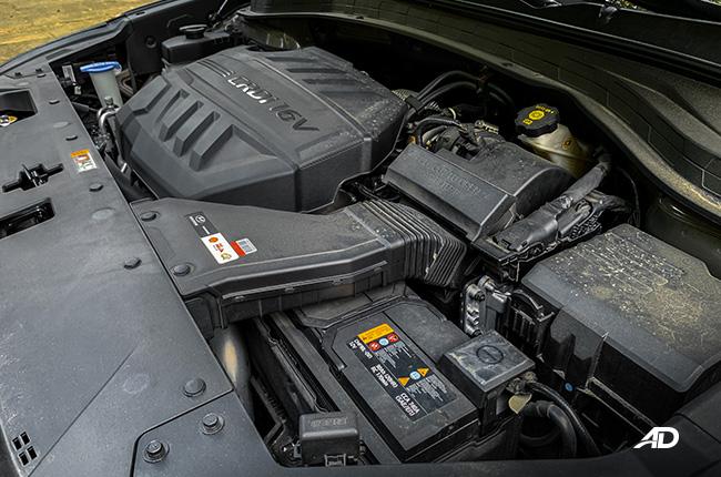 hyundai santa fe road test engine