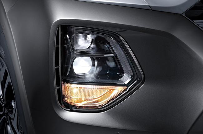 Hyundai Santa Fe Top of the line Head Lights