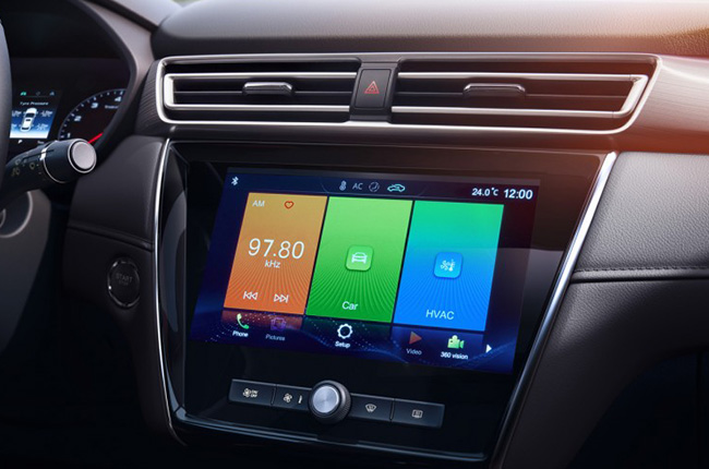 MG 5 interior 10-inch touchscreen