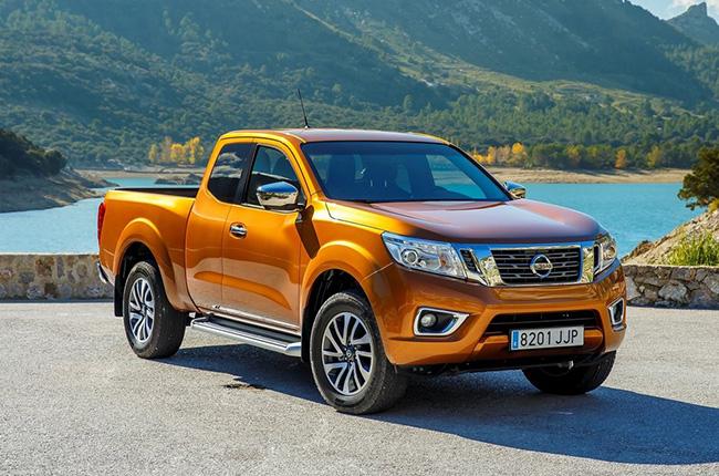 Nissan Navara Savanna Orange