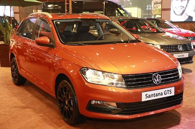Orange Volkswagen Santana GTS