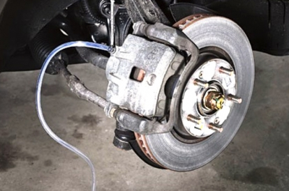 Brake fluid is low, should you worry? | Autodeal