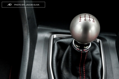 5 advantages of driving a manual transmission | Autodeal