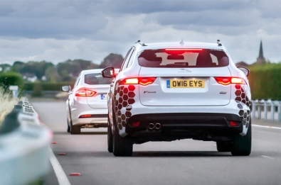 Future Jaguar Land Rover cars to communicate with traffic lights