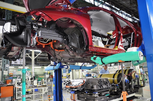 Japan quake halts production of Toyota, Honda, Nissan, and Mitsubishi