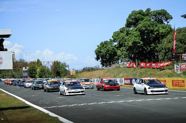 Competition heats up in 2016 GT Radial FlatOut Race Series Round 3