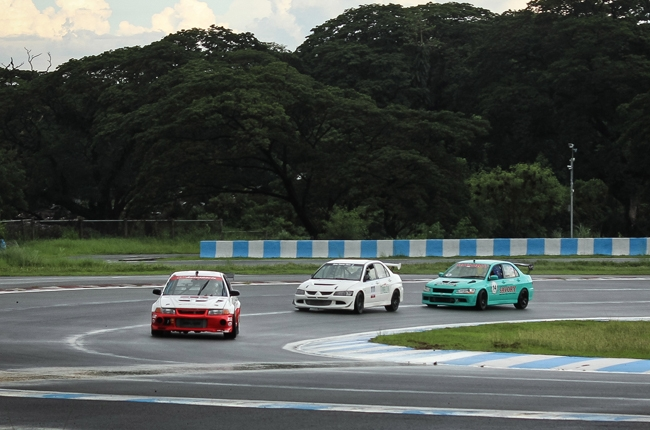 Drivers face heavy rain in 2016 GT Radial FlatOut Race Series Round 4