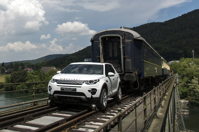 Land Rover Discovery Sport pulls 108-ton train