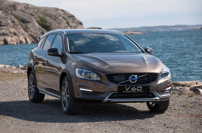 Volvo PH introduces V60 Cross Country