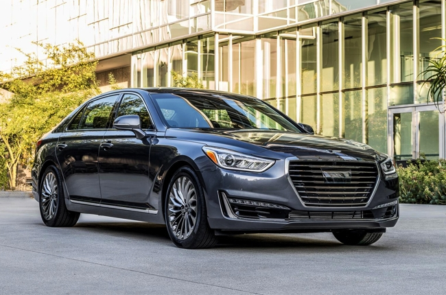 Genesis highlights its G90 flagship luxury sedan for 2017