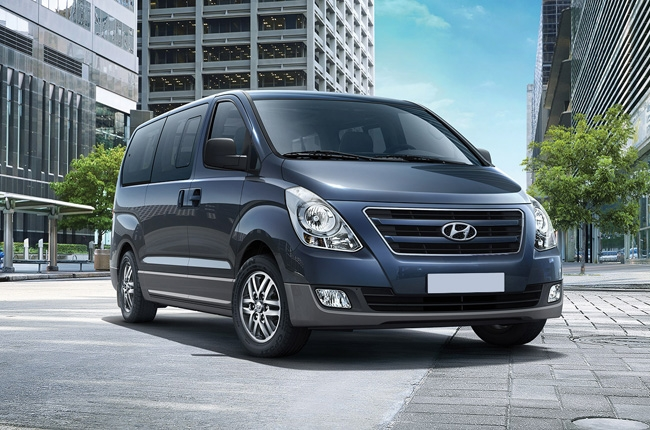 what makes the hyundai grand starex a perfect family van autodeal. Black Bedroom Furniture Sets. Home Design Ideas