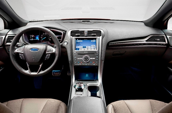 Ford redesigns Fusion's interior layout to support multiple devices