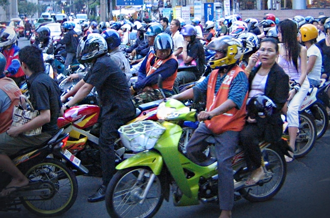 MMDA enforces stringent Motorcycle Lane Policy