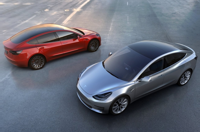 Tesla Gigafactory to build motors, drivetrains for Model 3