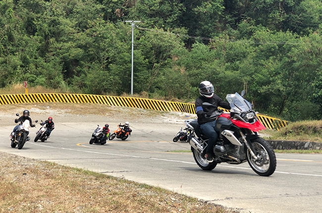 We test out Metzeler PH's motorcycle tires on a tour to Baler