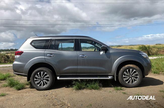 2018 Nissan Terra Side