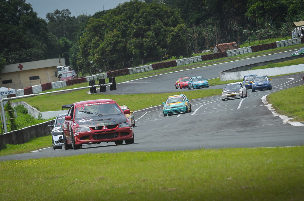 Willie Torres claims 2015 Yokohama Philippine GT title in Round 5