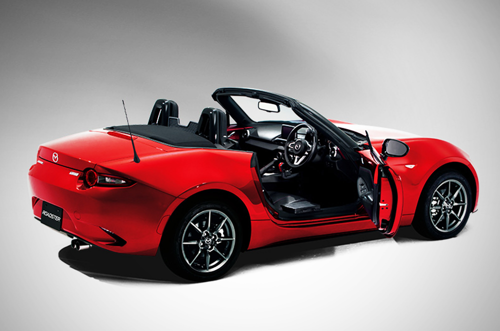 Wheelchair-friendly MX-5 soft-top