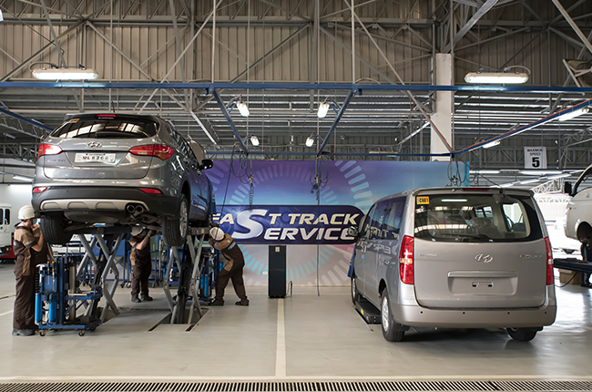 Wait in comfort and well within an hour. Hyundai takes the hassle out of servicing.