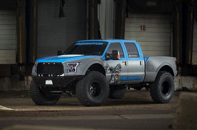 Ford DEFCO F-350 Mega Raptor