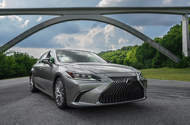 Lexus' midsize sedan gets more than a nip and tuck.