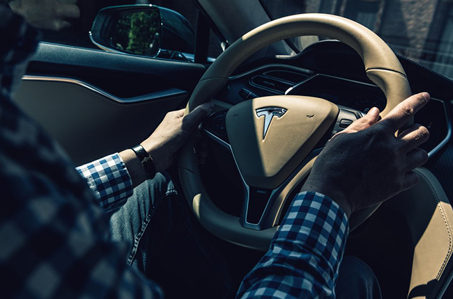 Tesla files patent for automatic turn signals