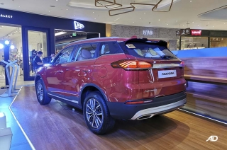 2020 Geely Azkarra mall display red