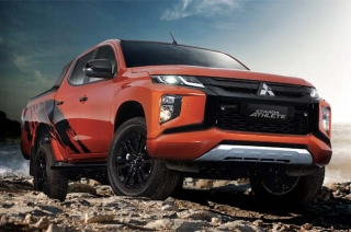 2020 Mitsubishi Strada Athlete press phot