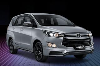 2021 Toyota Innova TRD Sportivo exterior quarter front