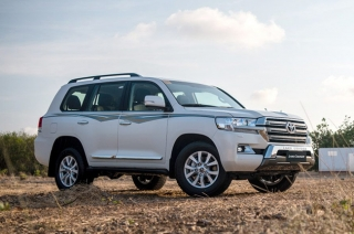 2022 Toyota Land Cruiser 300 could ax V8 engine for a smaller V6