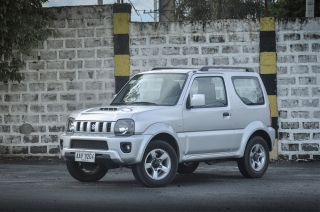 We took this mini 4x4 box called the Suzuki Jimny out for the week