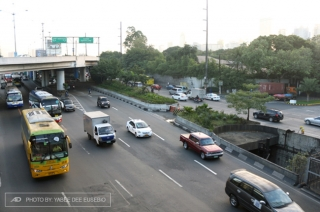 MMDA to assign special lanes for emergency vehicles