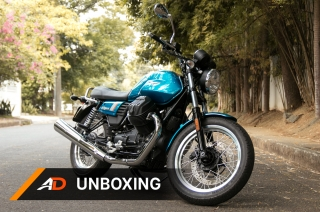 Moto Guzzi V7III Special - Unboxing