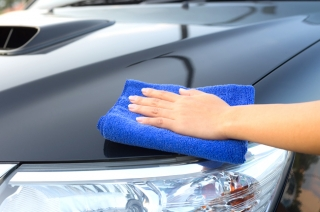 5 things you're doing that's ruining your car paint