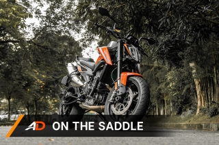 2018 KTM 790 Duke - On the Saddle