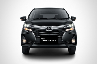 Facelifted Toyota Avanza front