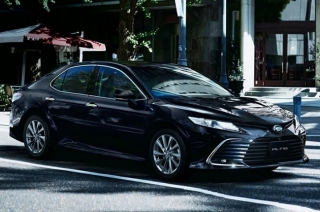 Daihatsu selling rebadged Toyota Camry with an Altis nameplate