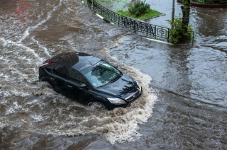 How to safely drive your vehicle through flood