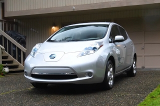 LEAF owner in the US celebrates 10 years of emission-free driving