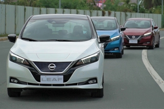 Nissan LEAF convoy