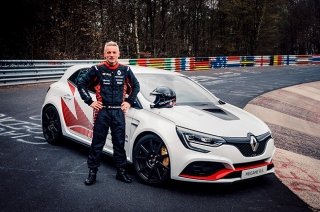 Renault Megane R.S. Trophy is the new fastest FWD hatchback at Nurburgring