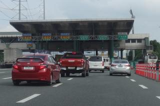 SLEX toll gate