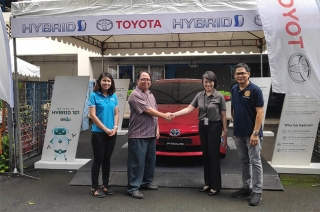 Toyota Altis and Prius C at Don bosco
