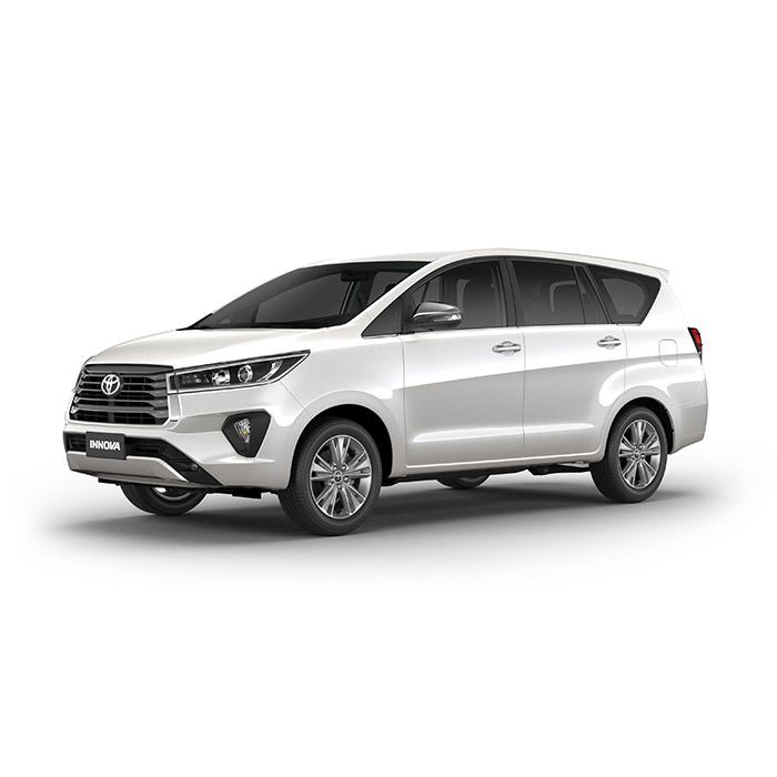 White Pearl Crystal Shine Toyota Innova