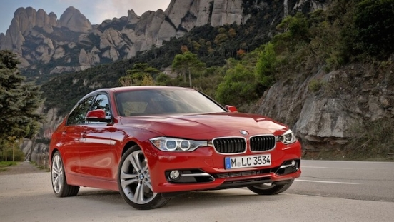 2018 BMW 3-Series Sedan quarter front