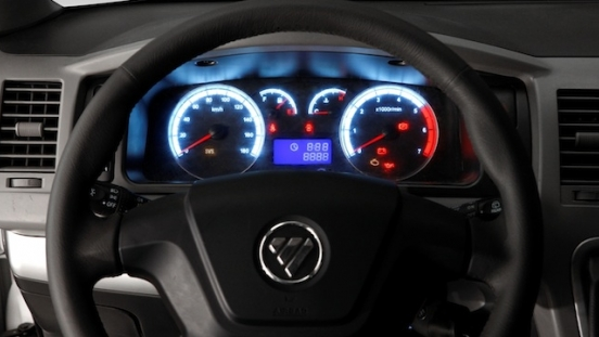2018 FOTON View Traveller steering wheel and gauge cluster