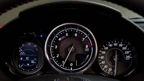2018 Mazda MX-5 gauge cluster