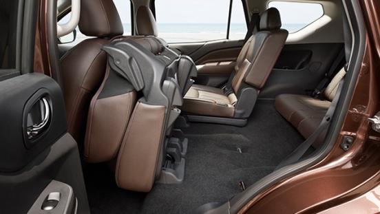 2018 Nissan Terra Folding seat
