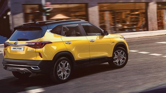 2020 Kia Seltos exterior yellow rear quarter