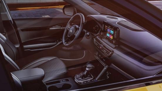 2020 Kia Seltos interior dashboard